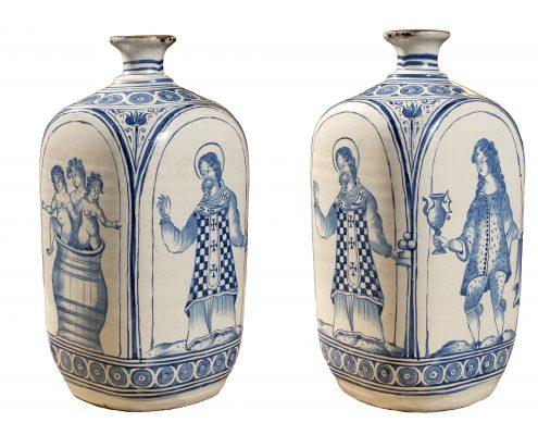 Territoires du Duc de Saxe – Silésie du Sud ou Moravie : Rare bouteille quadrangulaire en faïence dite des « Habaner » décorée de scènes de la vie de St Nicolas. 1ère moitié du 17ème siècle – circa 1630 / 1640. Une bouteille très proche attribuée à Arnstadt (Thuringe) se trouve au Kunst Museum d'Hambourg. VINCENT L'HERROU GALERIE THEOREME    LE LOUVRE DES ANTIQUAIRES  2 PLACE DU PALAIS ROYAL 75001 PARIS